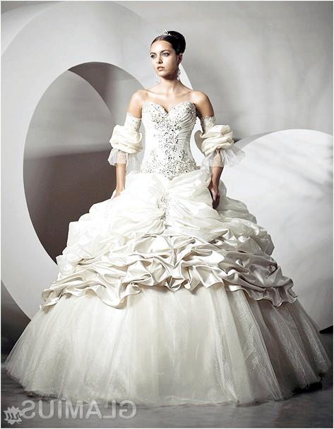 Фото - Весільна сукня з дитячої мрії