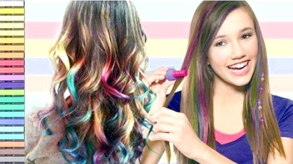 Застосування кольорової крейди для фарбування волосся