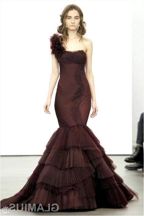 Фото - Весільна сукня сливового кольору силуету
