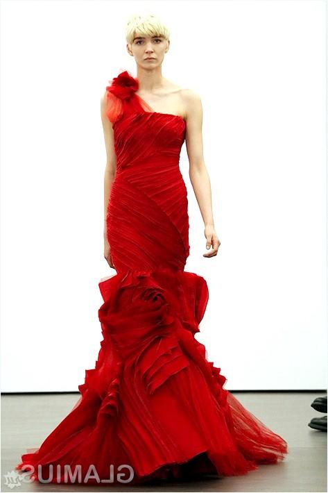 Фото - Весільна сукня насиченого червоного кольору