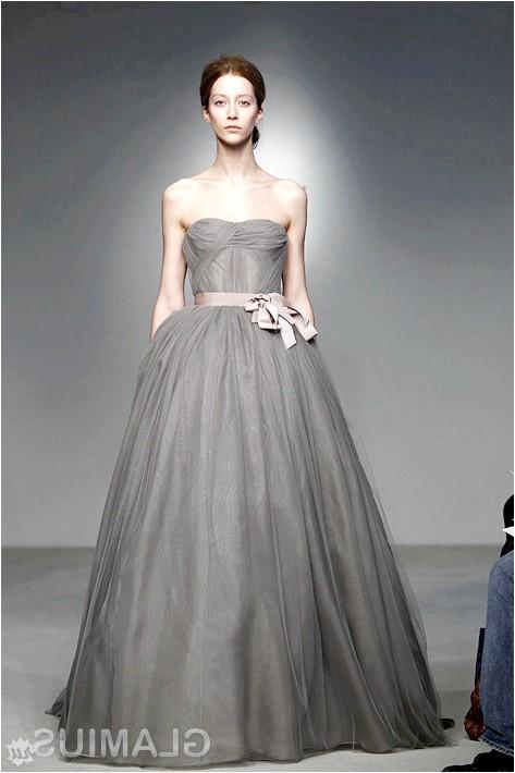 Фото - Сіре весільну сукню