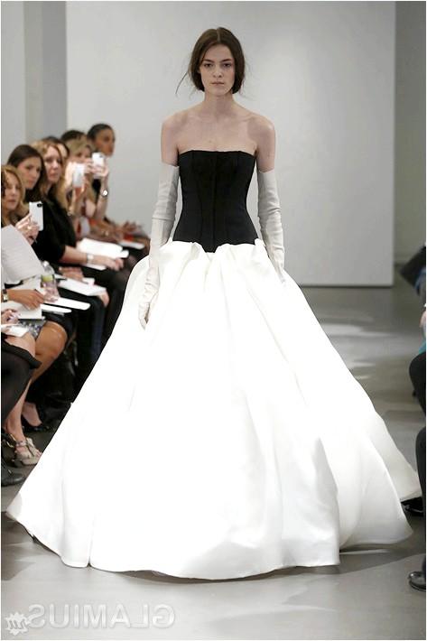 Фото - Плаття з чорним верхом