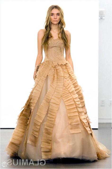 Фото - Золотисте весільну сукню від Віри Вонг