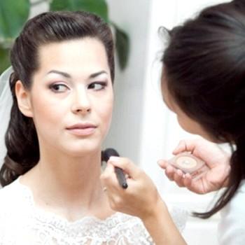 Весільний макіяж для карих очей: покрокова техніка з фото