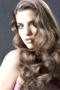 Укладання волосся хвилями