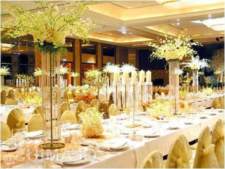 Фото - Прикраса весільних столів для гостей