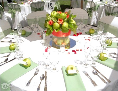 Фото - Декор весільного столу фруктами