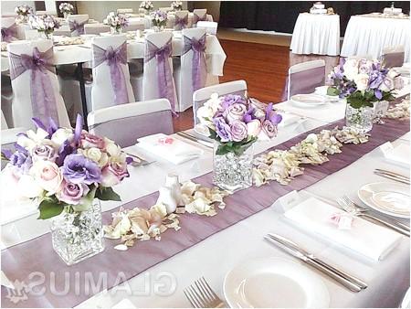 Фото - Прикраса столу квітами