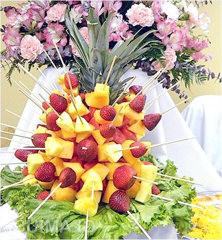 Фото - Прикраса столу фруктами