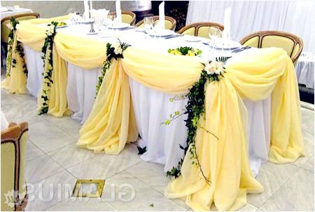 Фото - Прикраса столу тканиною